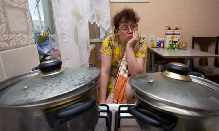 Премьер Украины говорит, что горячую воду киевлянам дадут до конца недели 1