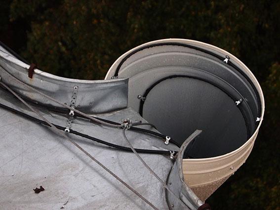 Как защитить крышу от наледи и сосулек?