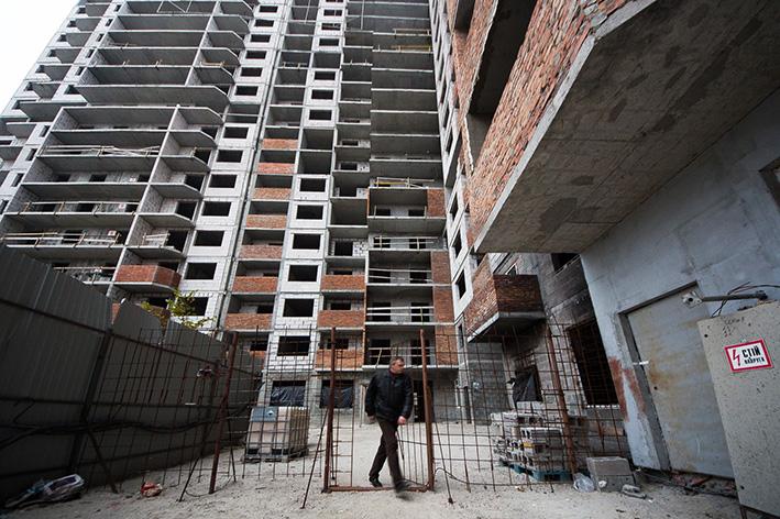 Печерський суд заборонив торгувати квартирами в заарештованих будинках Войцеховського 4