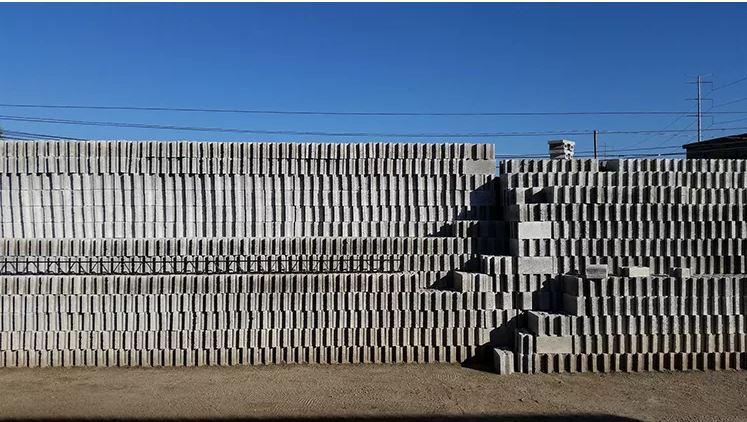 Этот «самоклеющийся» бетонный блок сокращает время строительства на 50% 1