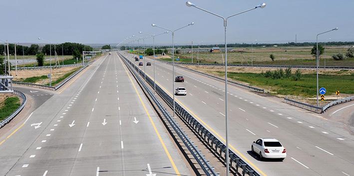 В Украине заговорили о строительстве сотен километров бетонных дорог 2