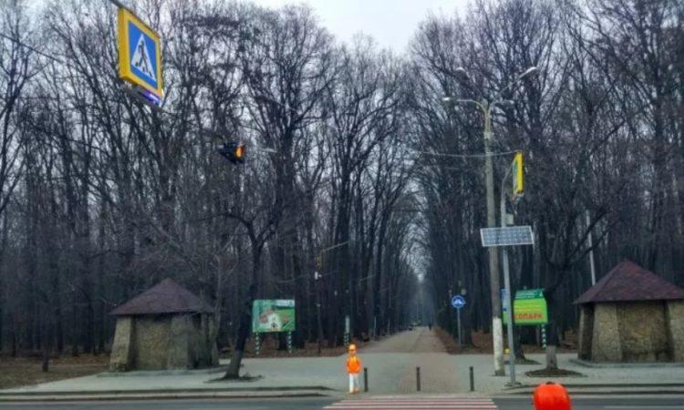 В Киеве появятся пластиковые школьники на оживленных переходах 1