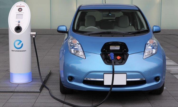 Украинские парковки обзаведутся зарядками для электромашин 1