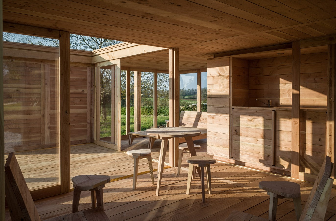 Дерев'яний будинок La Petit Maison