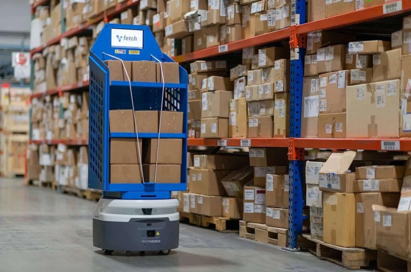 Робот заменяет низкоквалифицированного работника