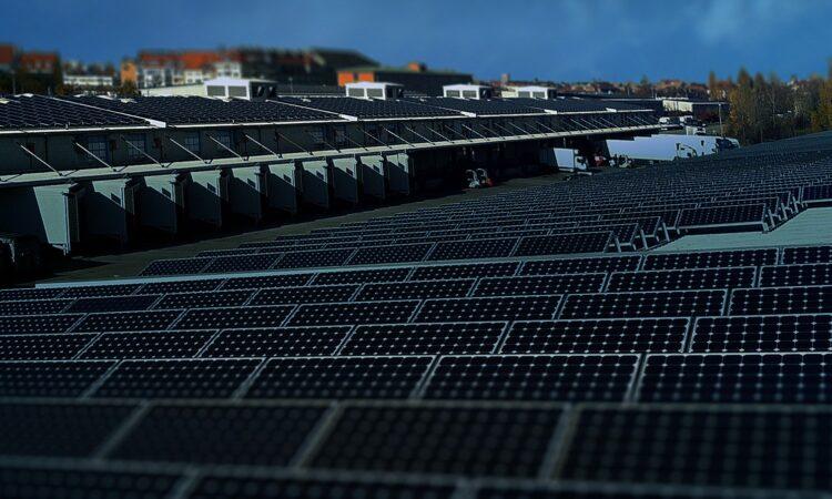 Солнечные панели. Сонячні панелі