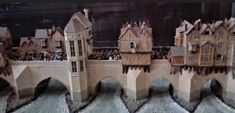 Старый лондонский мост (макет)