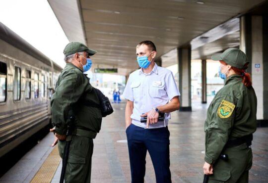 Укрзалізниця повертає охорону в поїзди і оснащує вагони відеоспостереженням 1