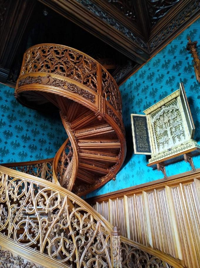 Винтовая лестница. Гвинтові сходи. Замок Ленднице в Чехии