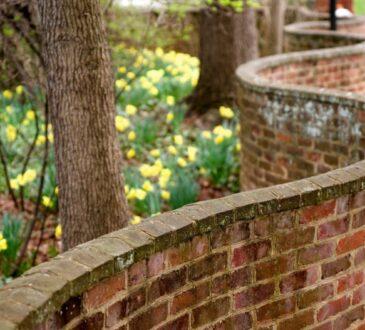 Волнистый забор. Хвилястий паркан